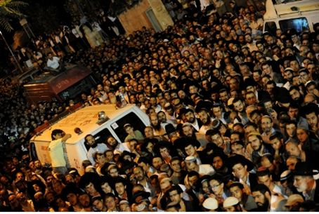 Funeral for Rabbi Mordechai Eliyahu