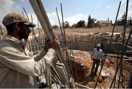 Building with Jews  in eastern Gush Etzion