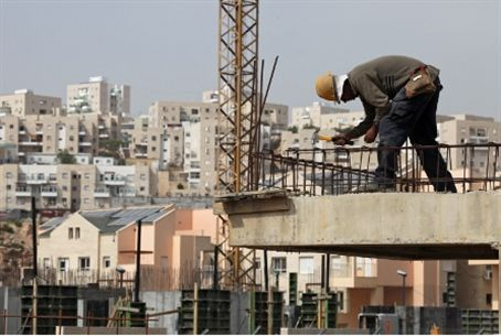 Arab construction worker / archive