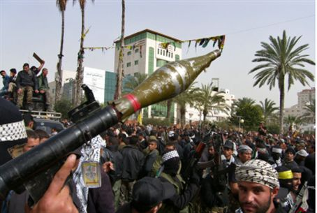 Terrorists brandish RPG in Gaza (file)