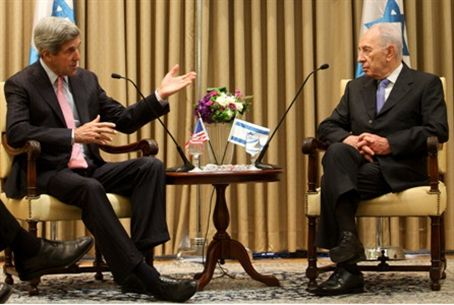 Sen. Kerry and President Peres