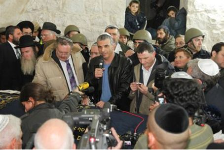 Ministers at Kever Yosef