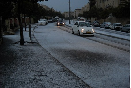 Snowy road in Jerusalem