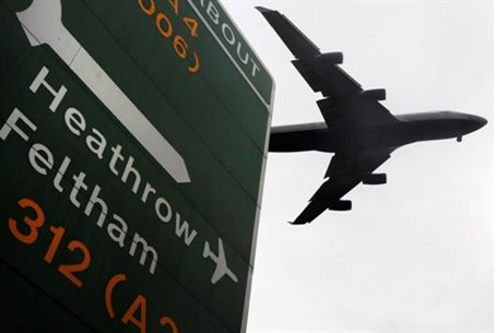 An aircraft comes into land at Heathrow Airpo