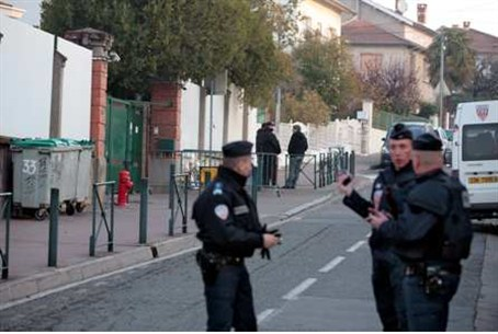 French police guard Toulouse Jewish school '