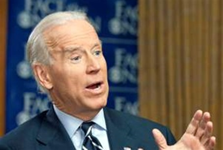 Biden, against freeing Pollard, to speak to C