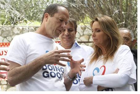Shari Arison with Jerusalem mayor Nir Barkat