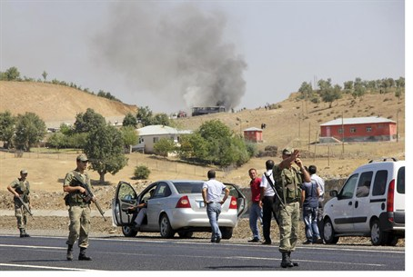 Turkish soldiers secure road from PKK