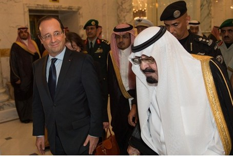 Saudi King Abdullah welcomes French President