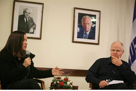 Noam Shalit and Labor leader Shelly Yechimovi