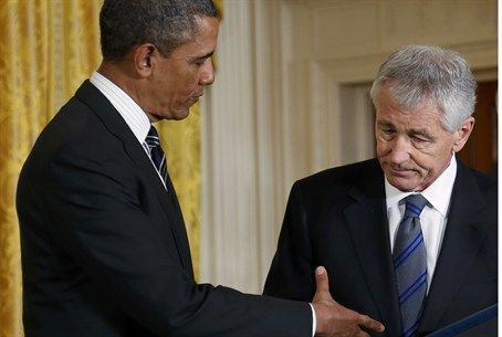 President Obama shakes hand of Chuck Hagel