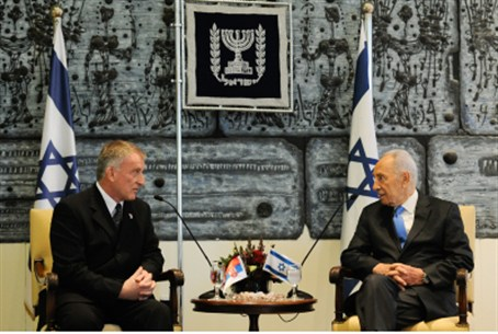 Serbian ambassador with President Peres