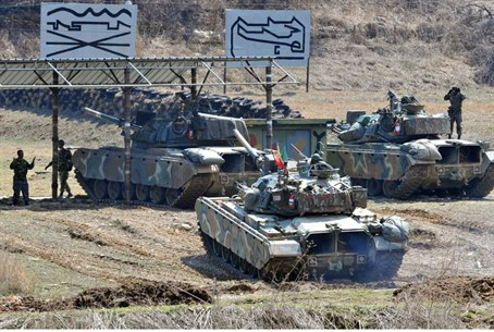 South Korean army tanks line up at a shooting