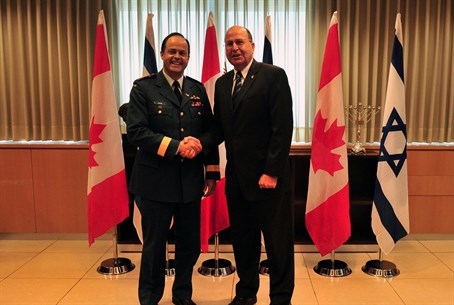 Defense Minister Moshe Yaalon and Canada's Ch