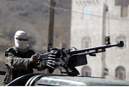 Yemeni police trooper in Sana'a (file)