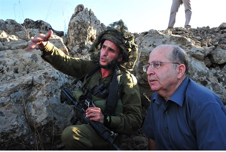 Yaalon with IDF commanders, Golan Heights