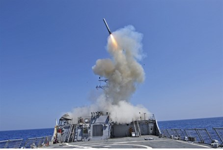 US ship launches Tomahawk missile (file)