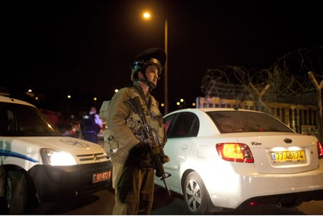 IDF troops near the site of the attack in Psa