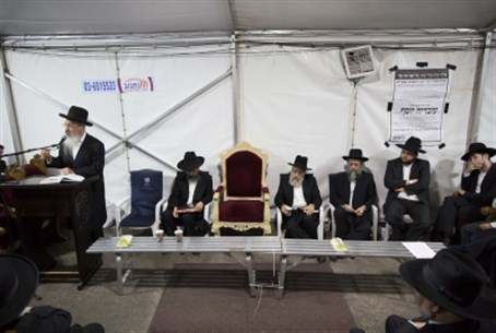 Rabbi Ovadia Yosef's chair left empty