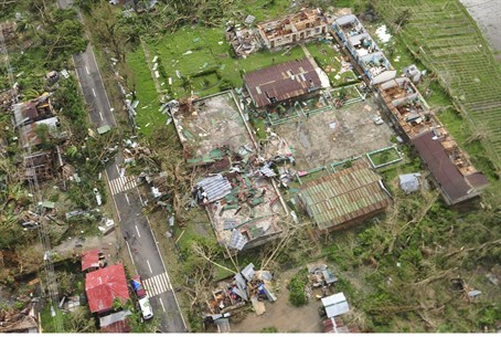 Aerial View of Wreckage from Typhoon Haiyan i