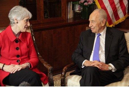 Wendy Sherman and Shimon Peres, Feb 2013