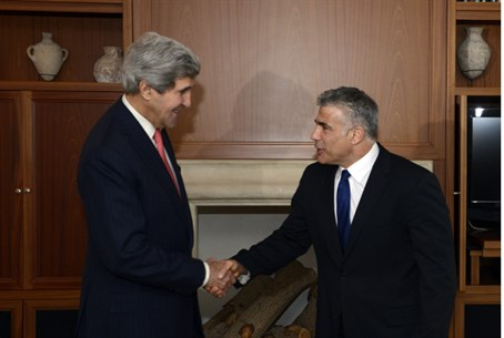 Kerry meeting with Lapid, Dec. 6 2013