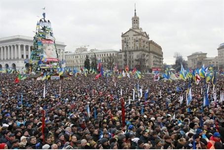 Huge Kiev rally (file)