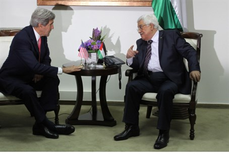 John Kerry meets Mahmoud Abbas in Ramallah