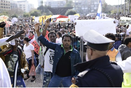 Thousands of illegal infiltrators protest in