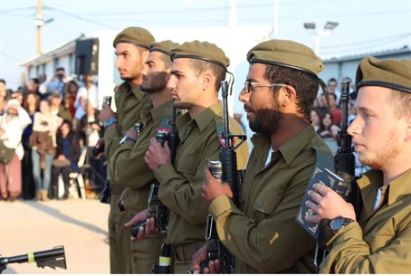 Hareidi soldiers sworn in