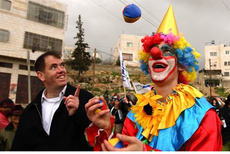 Purim in Hevron (file)