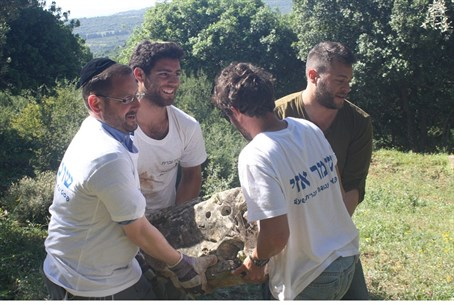 MK Dov Lipman with HaShomer HaChadash volunte