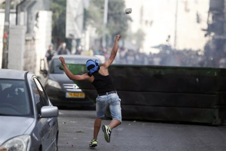 Rock throwing in Jerusalem (file)