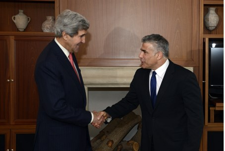 John Kerry and Yair Lapid (file)
