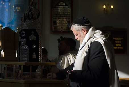 Light fading on European Jewry? (file)