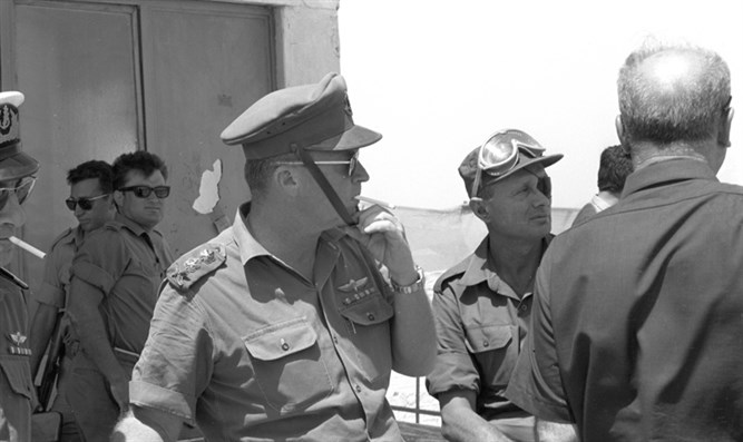 Yitzhak Rabin during Six Day War