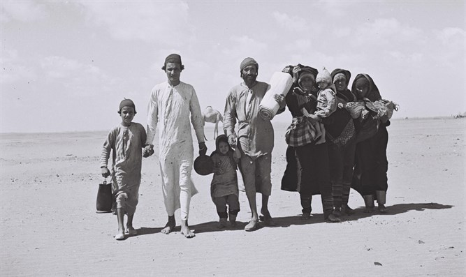 Yemenite Jews flee their homes
