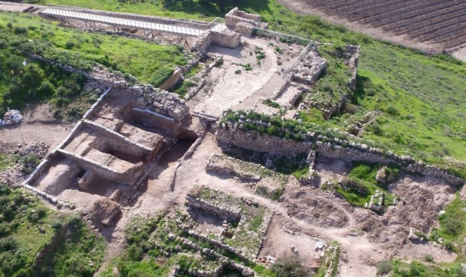 Gate revealed by the excavation in Tel Lachish