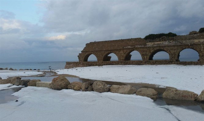 Snow in Caesaria