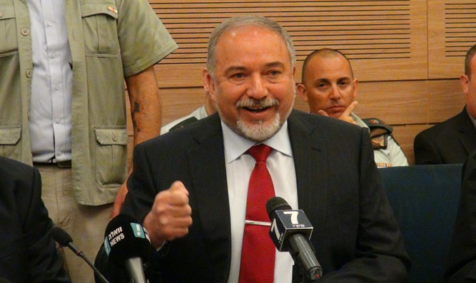 Avigdor Liberman during Monday's meeting
