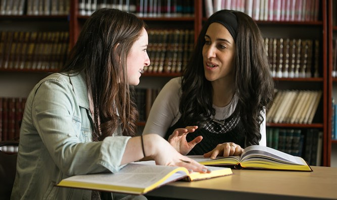 Shoshana Charnoff, right, the OU-JLIC female Torah educator at Queens College in New York,